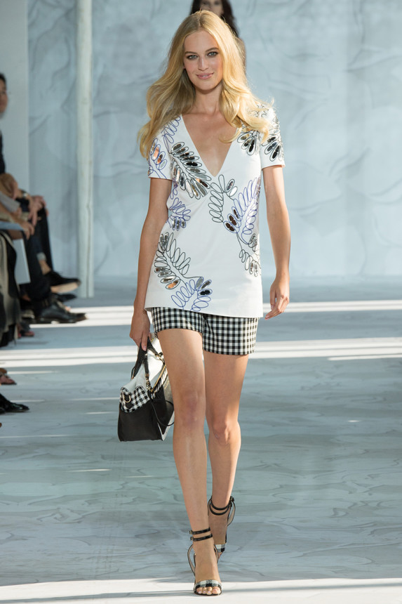 Diane-von-Furstenberg-Spring-2015-Collection-NYFW-Gingham-Print-Floral-Print-OnGiselleAvenue