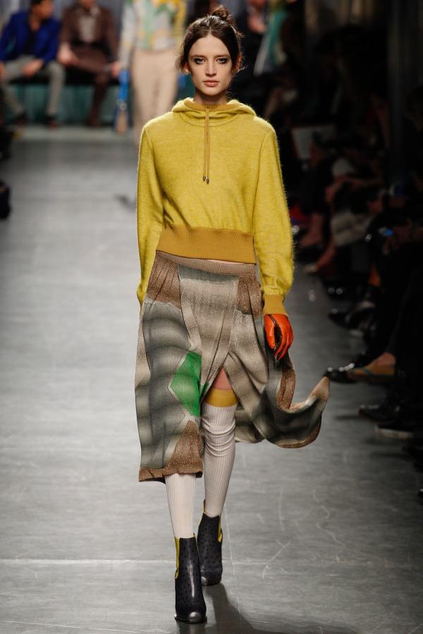 Missoni-Fall-2014-Sweatshirt-Trend-Style-OnGiselleAve