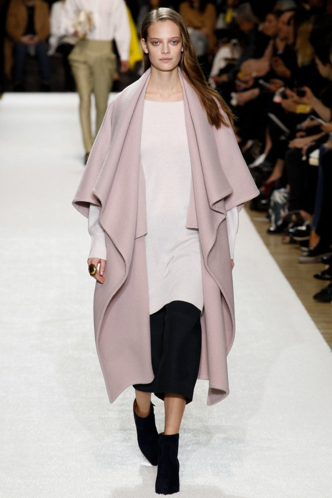 Chloe-Fall-2014-Collection-Blanket-Coat-Outerwear-Trend-Fashion-OnGiselleAve