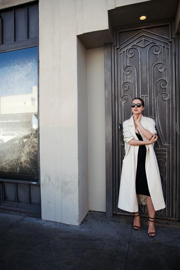 Karla-Deras-Karlas-Closet-Oversized-Vintage-Coat-Black-Knee-Length-Dress-Winter-Style-Fashion-OnGiselleAve