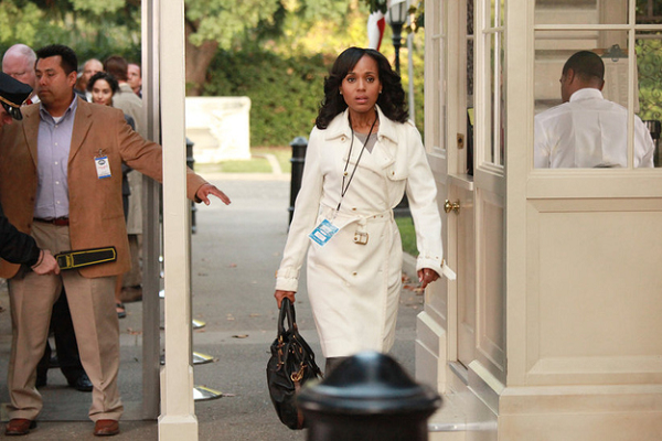 Scandal-Olivia-Pope-White-Trench-Coat-Fashion-OnGiselleAvenue