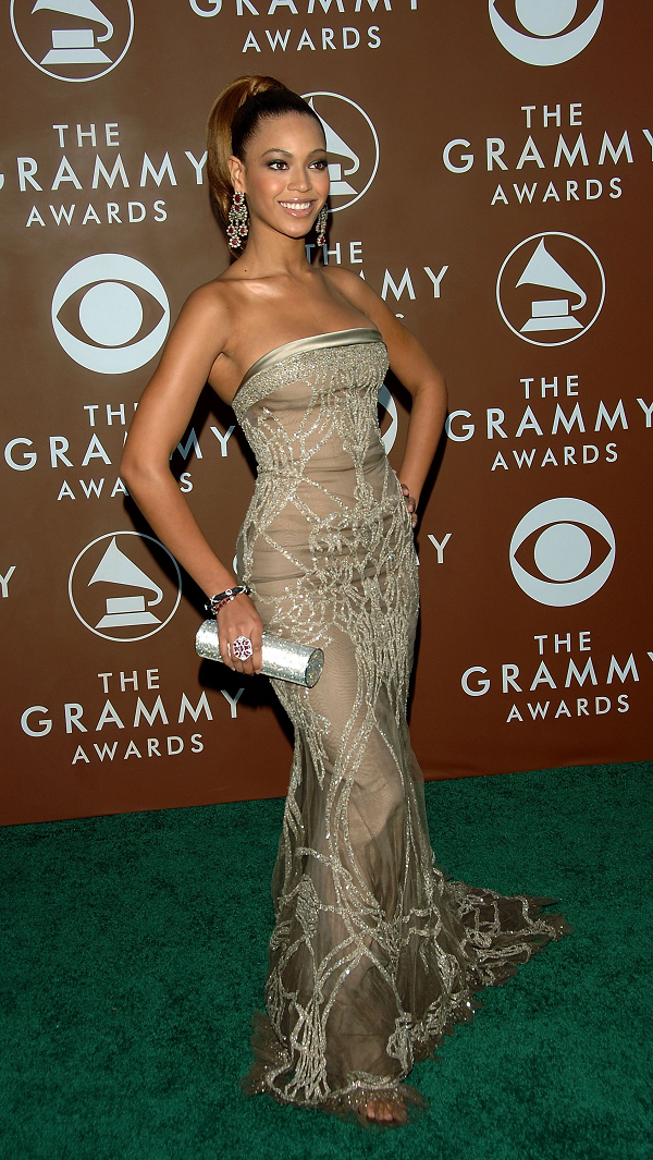 Beyonce-Elie-Saab-Crystal-Embroidered-Sheer-Strapless-Gown-Grammy-Awards-2006-OnGiselleAve
