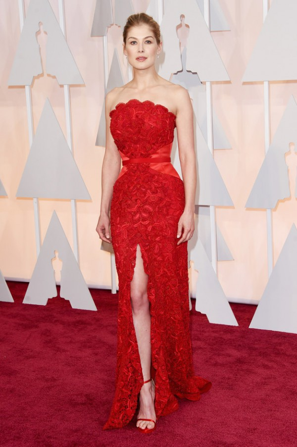 Rosamund-Pike-Givenchy-Haute-Couture-Oscars-2015-Fashion-OnGiselleAve