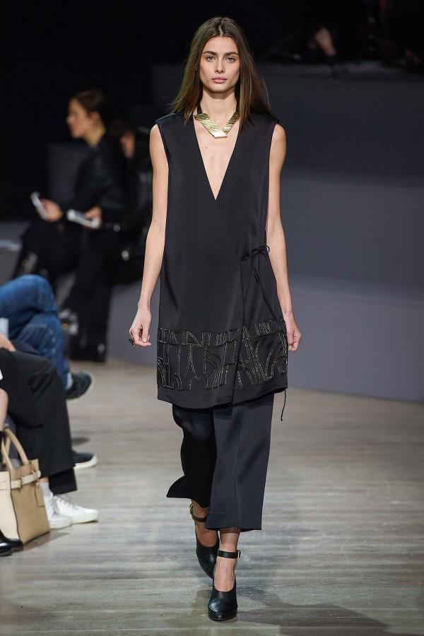 Maiyet-Fall-2015-Runway-Sleeveless-Coat-Fashion-Trend-OnGiselleAve