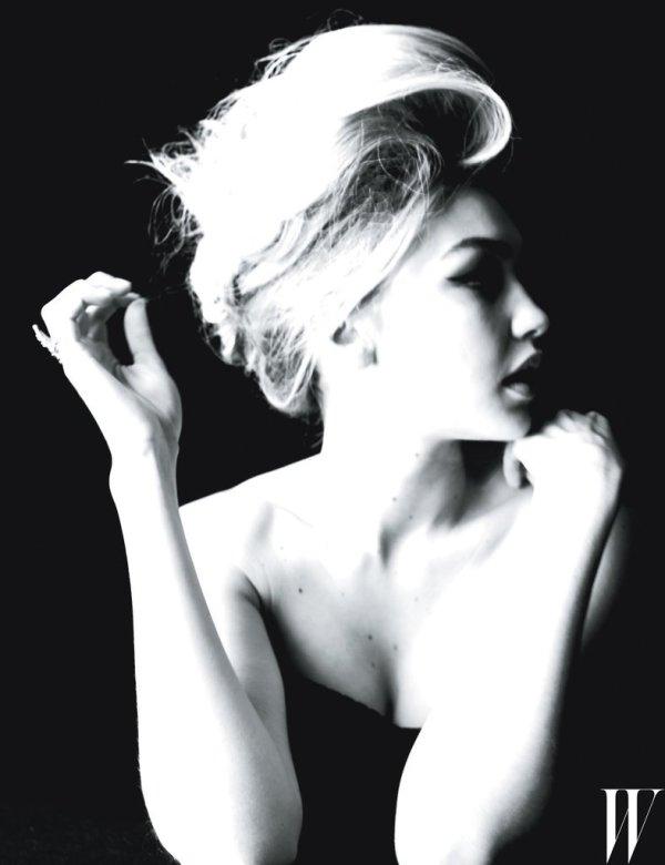 Gigi-Hadid-W-Magazine-Cover-September-2015-Fashion-OnGiselleAve3