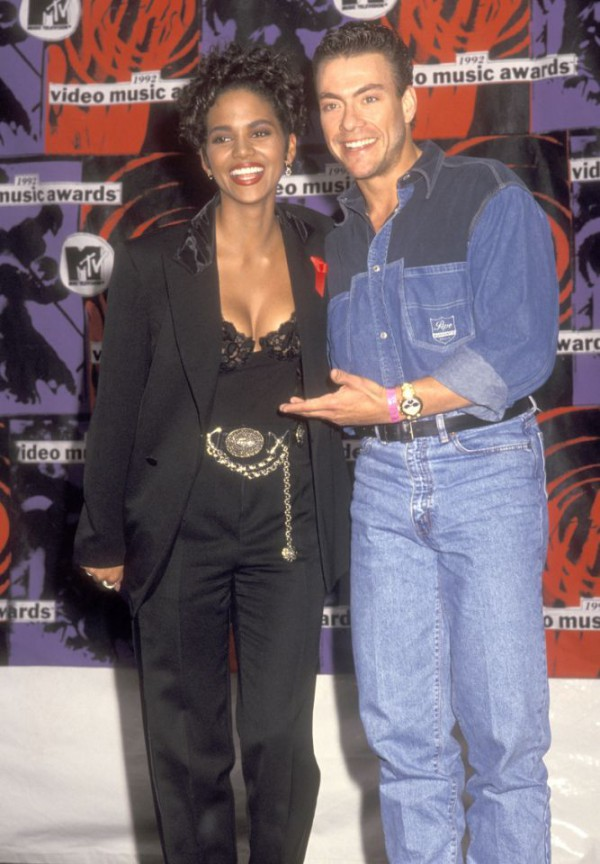 Halle-Berry-MTV-Video-Music-Awards-1992-Fashion-OnGiselleAve