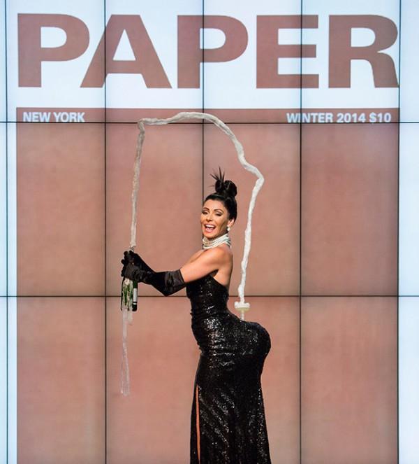 Kelly-Ripa-Kim-Kardashian-Halloween-2015-Costume-OnGiselleAve