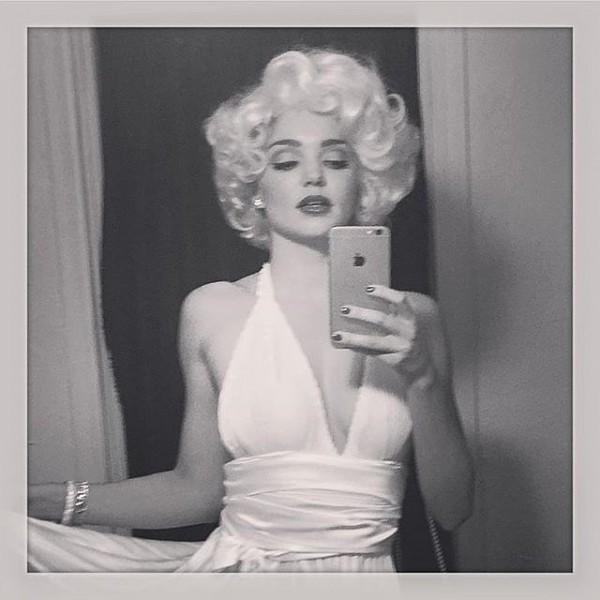 Miranda-Kerr-Marilyn-Monroe-Halloween-2015-Costume-OnGiselleAve