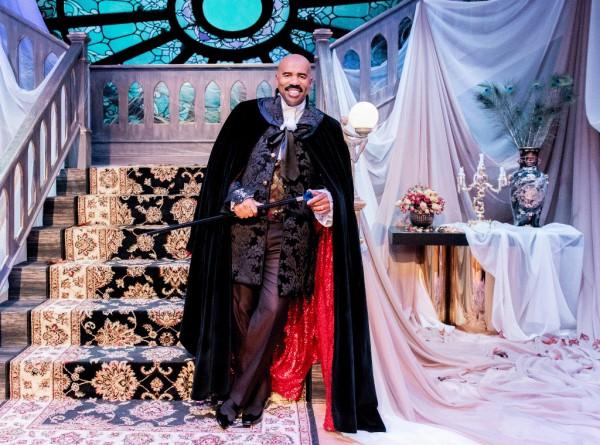 Steve-Harvey-Dracula-Halloween-2015-Costume-OnGiselleAve