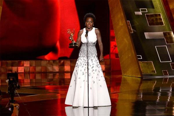 Viola-Davis-Emmy-Awards-2015-OnGiselleAve