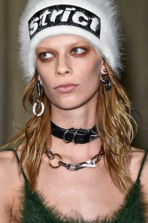 Alexander-Wang-Strict-Statement-Skully-Fashion-OnGiselleAve