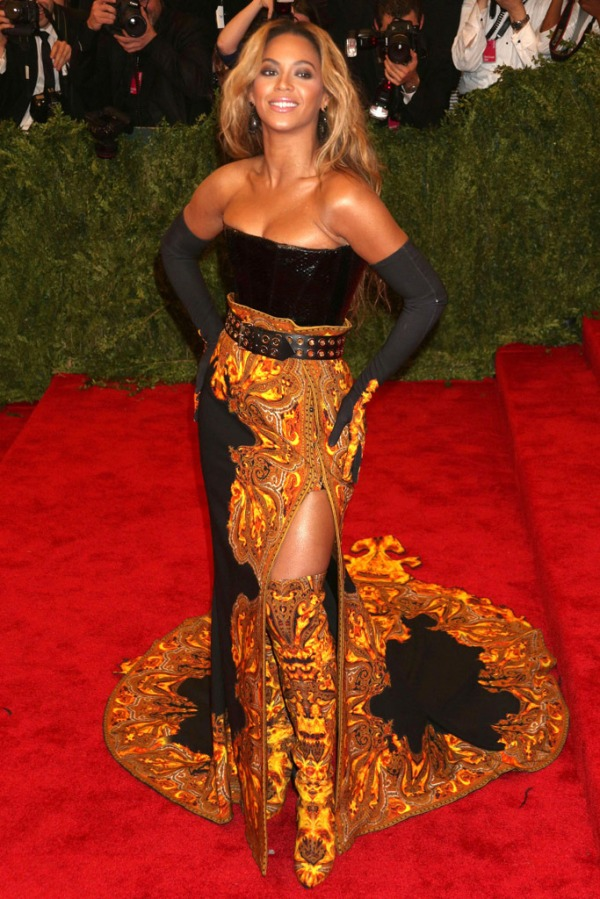 Beyonce-Givenchy-Met-Gala-2013-Fashion-OnGiselleAve