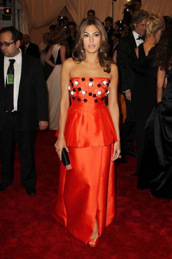 Eva-Mendes-Prada-Met-Gala-2012-Fashion-OnGiselleAve