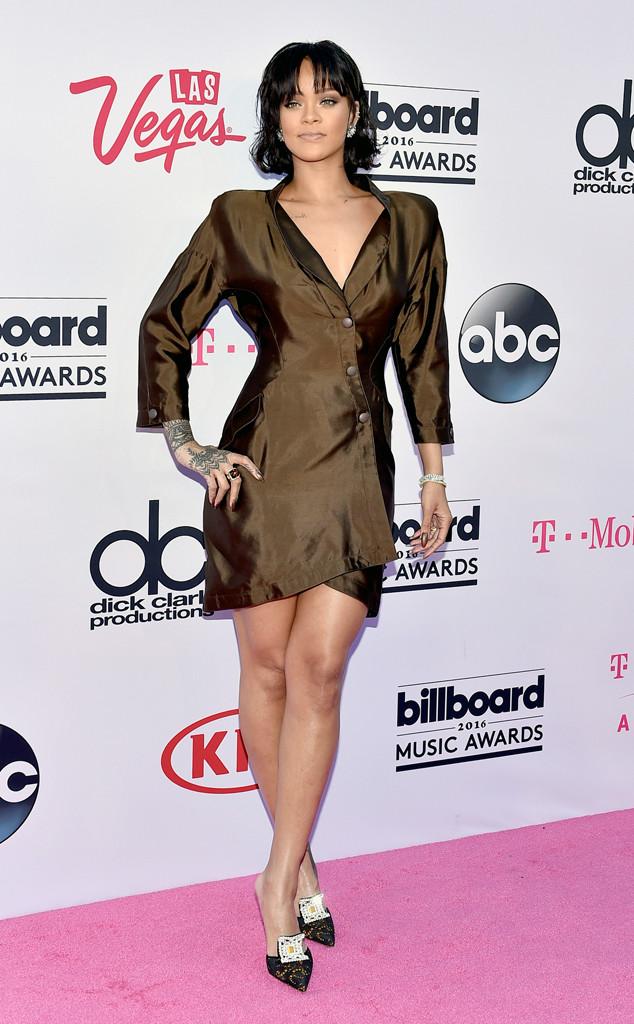 Rihanna-Mugler-Tuxedo-Dress-BBMAs-Fashion-OnGiselleAve