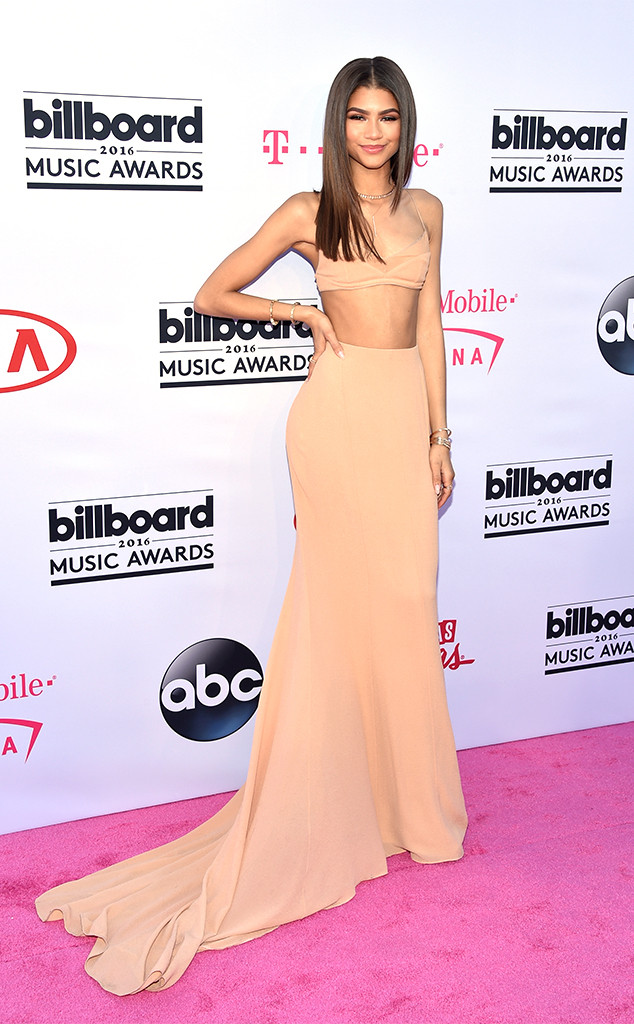 Zendaya-Calvin-Klein-Crop-Top-Maxi-Skirt-Fashion-OnGiselleAve
