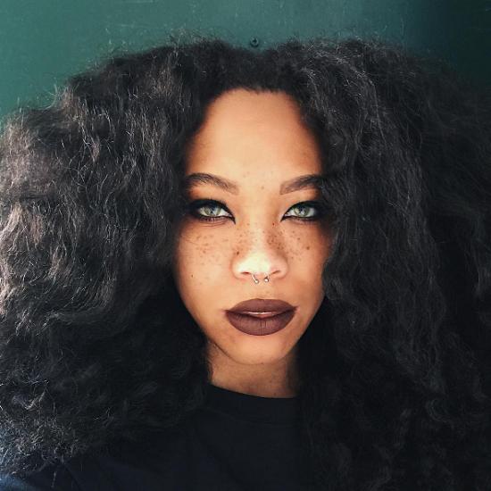 Black-Eyeliner-Cateye-Matte-Lips-Black-Beauty-Looks-OnGiselleAve